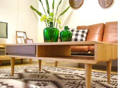 繊細で美しい無垢材のリビングテーブル 1枚目画像 85cm幅