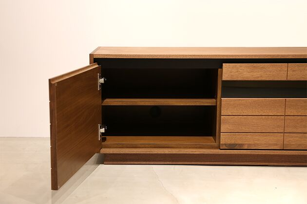 CUDDLE(カドル) テレビボード 両サイドの開き扉中は可動棚と配線穴付き (テレビボードサイズ:150)