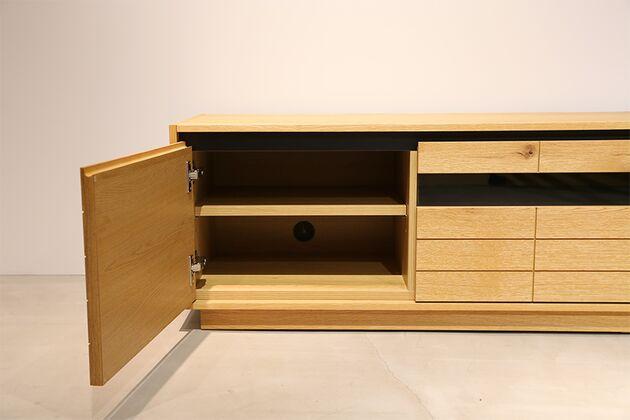 CUDDLE(カドル) テレビボード 両サイドの開き扉中は可動棚と配線穴付き (テレビボードサイズ:200)