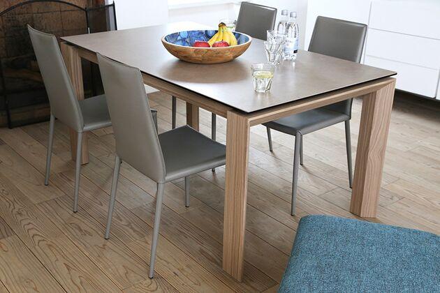 Calligaris (カリガリス) OMNIA(オムニア)  セラミック天板のダイニングテーブル