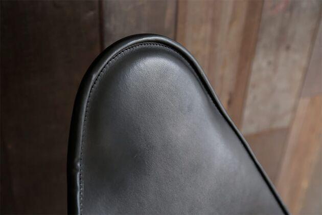 BKF(バタフライチェア)パーソナルチェア 立体的で丁寧な縫製