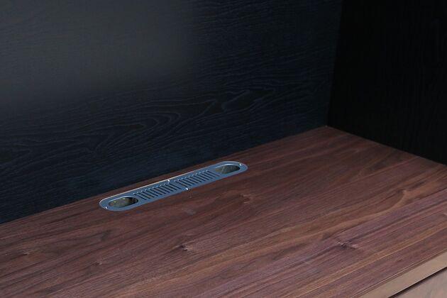 オーダーできるテレビボードユニット TV用配線付き