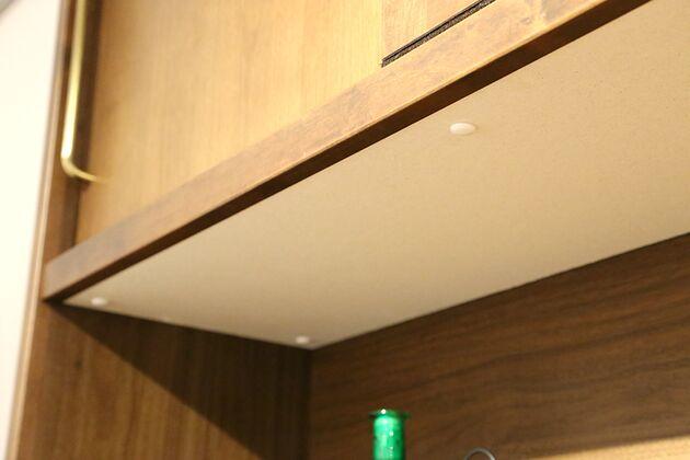 APIT ダイニングボード 耐シックハウス症候群、耐湿気、耐火性を備えたモイス付き