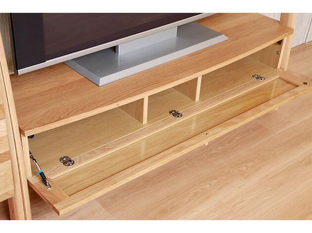 STREAM テレビボード 内側にガラスを採用。木の前板でもリモコンの赤外線を通すことができます。