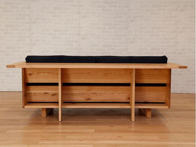 HIRASHIMA(ヒラシマ)CARAMELLA(カラメッラ) カウンターソファ210 デザインされた背面なのでお部屋の間仕切りに
